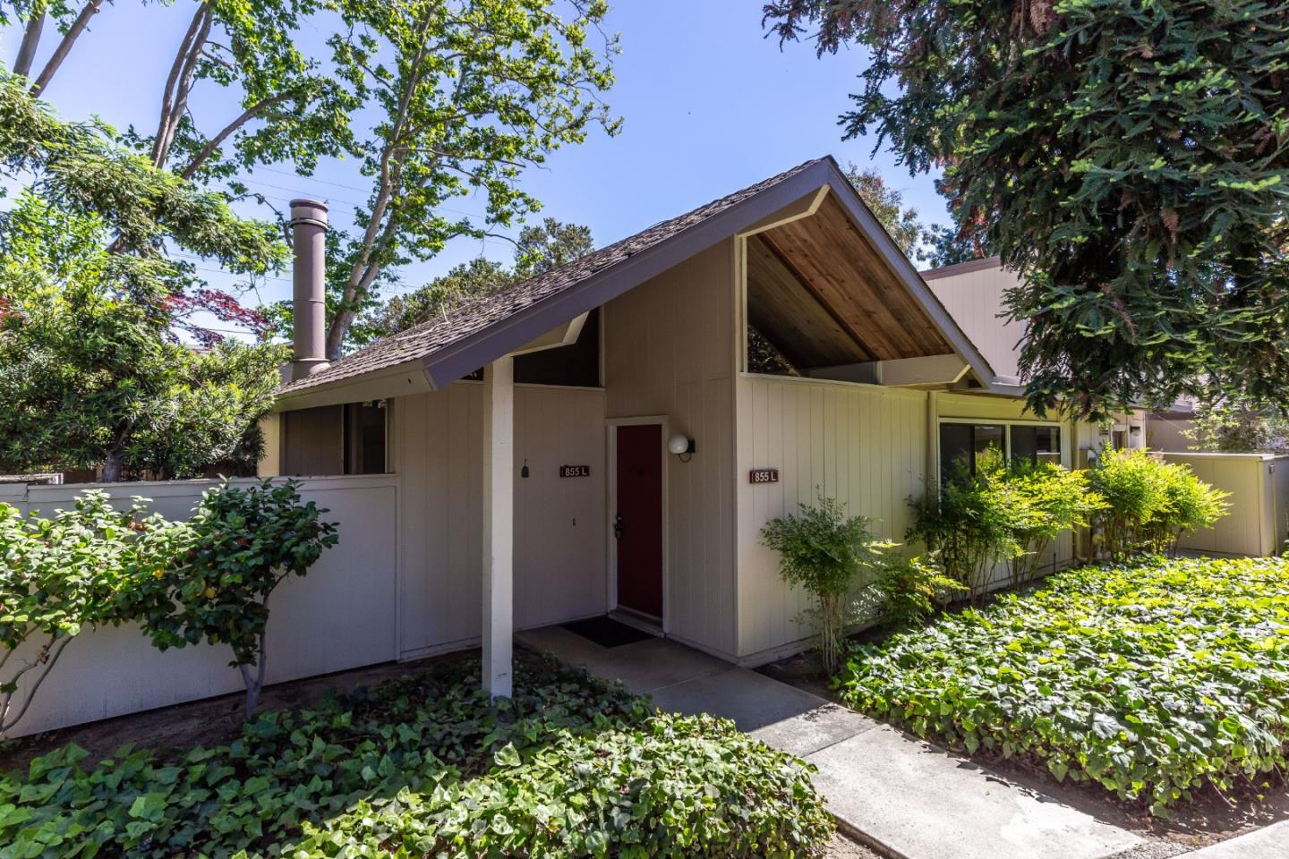 Detail Gallery Image 1 of 1 For 855 Brookline Dr #L,  Sunnyvale,  CA 94087 - 3 Beds | 2 Baths