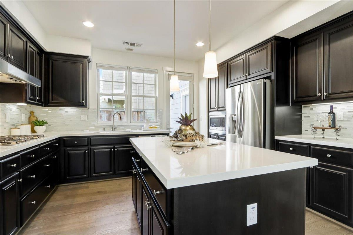 Detail Gallery Image 1 of 61 For 161 Madera Way, Mountain View,  CA 94041 - 4 Beds   3/1 Baths