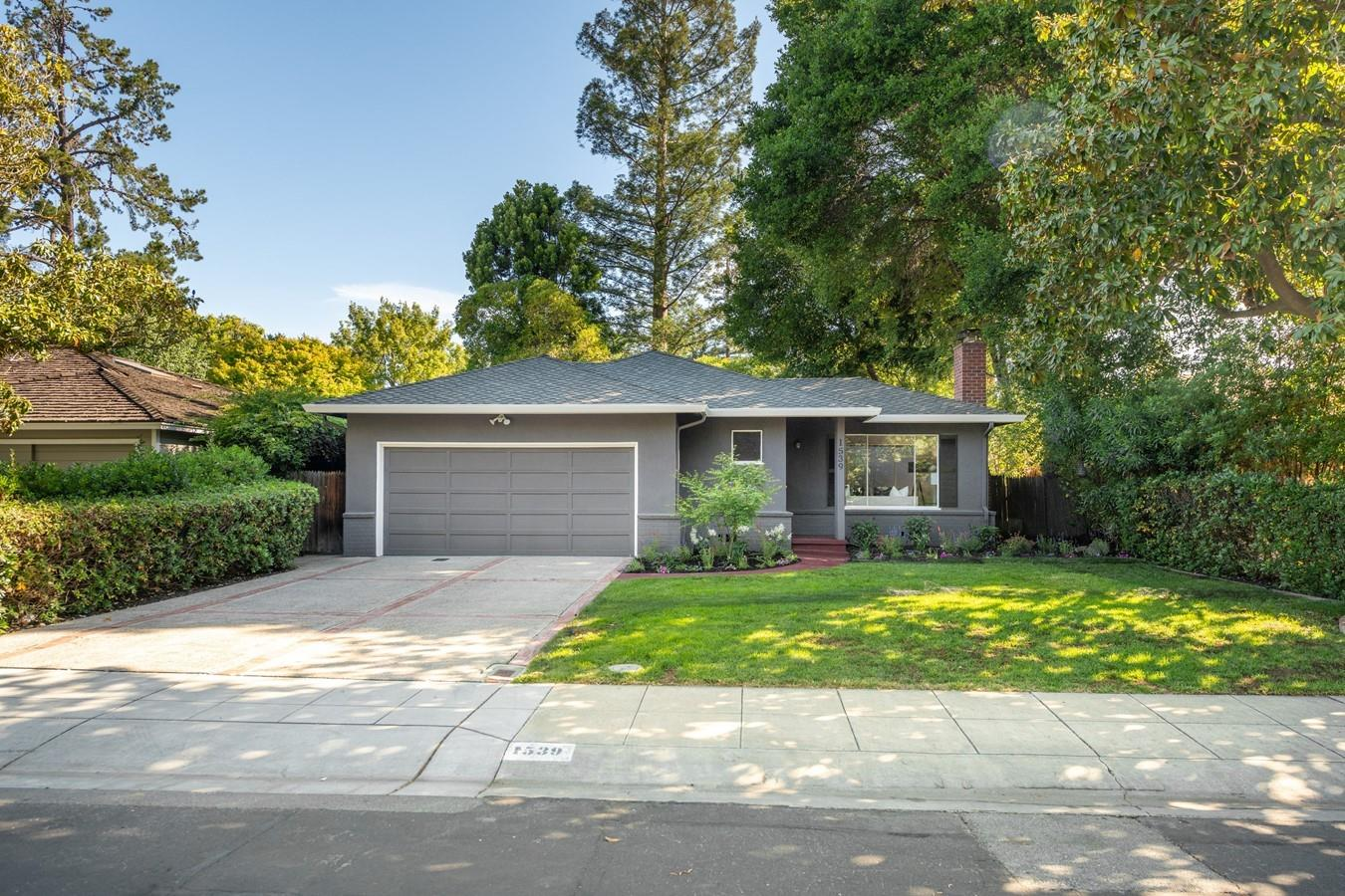 Detail Gallery Image 1 of 1 For 1539 Dana Ave, Palo Alto,  CA 94303 - 3 Beds | 2 Baths