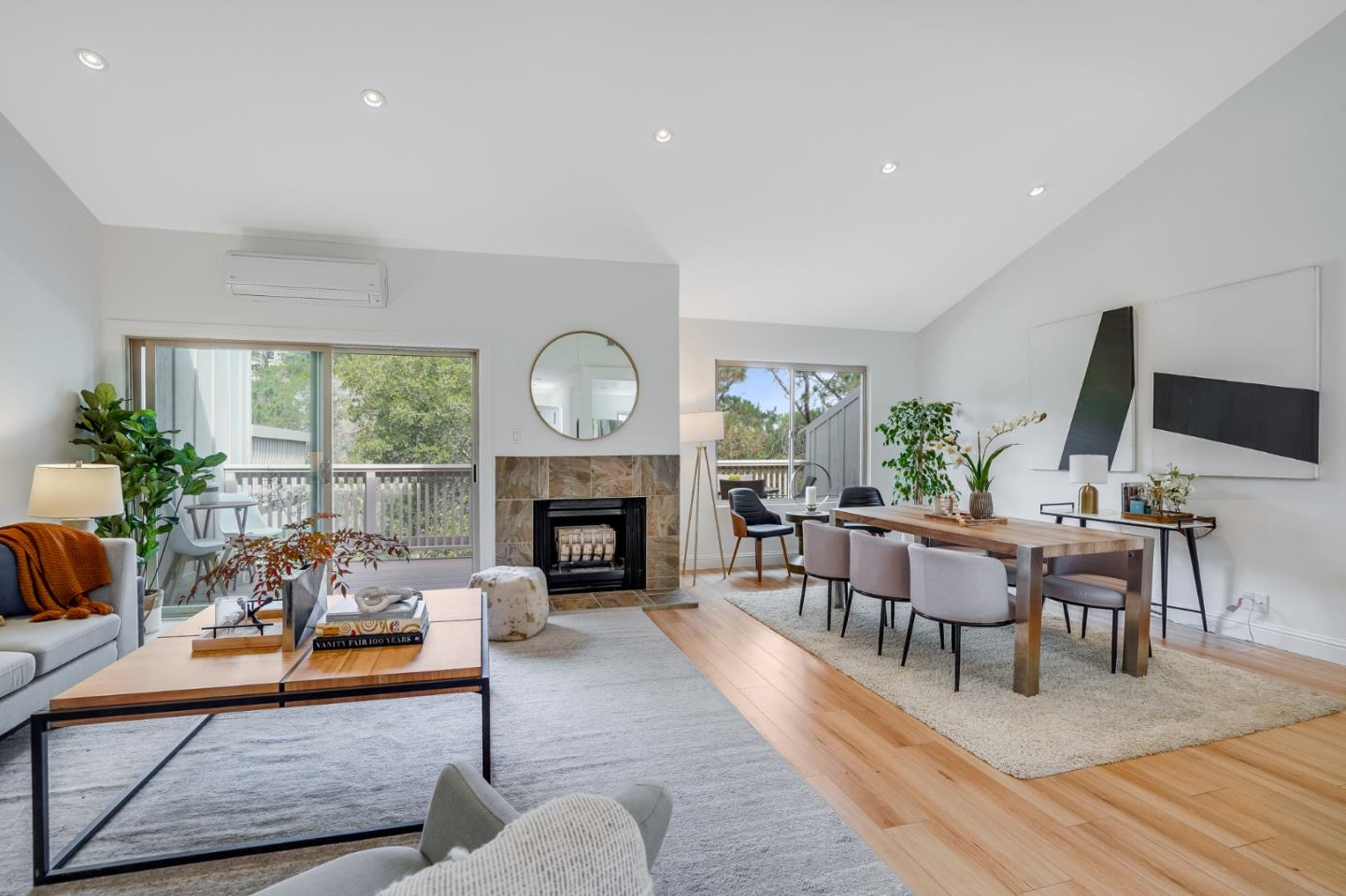 Detail Gallery Image 1 of 28 For 17 Creekridge Ct, San Mateo,  CA 94402 - 2 Beds   2/1 Baths