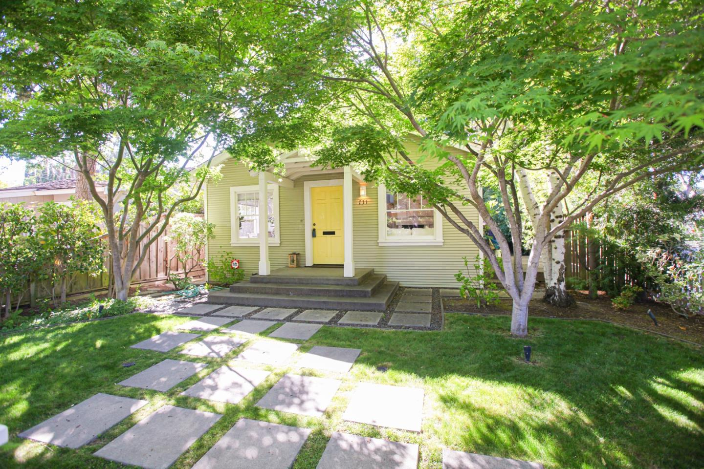 Detail Gallery Image 1 of 1 For 731 Lincoln Ave, Palo Alto,  CA 94301 - 2 Beds   2/1 Baths