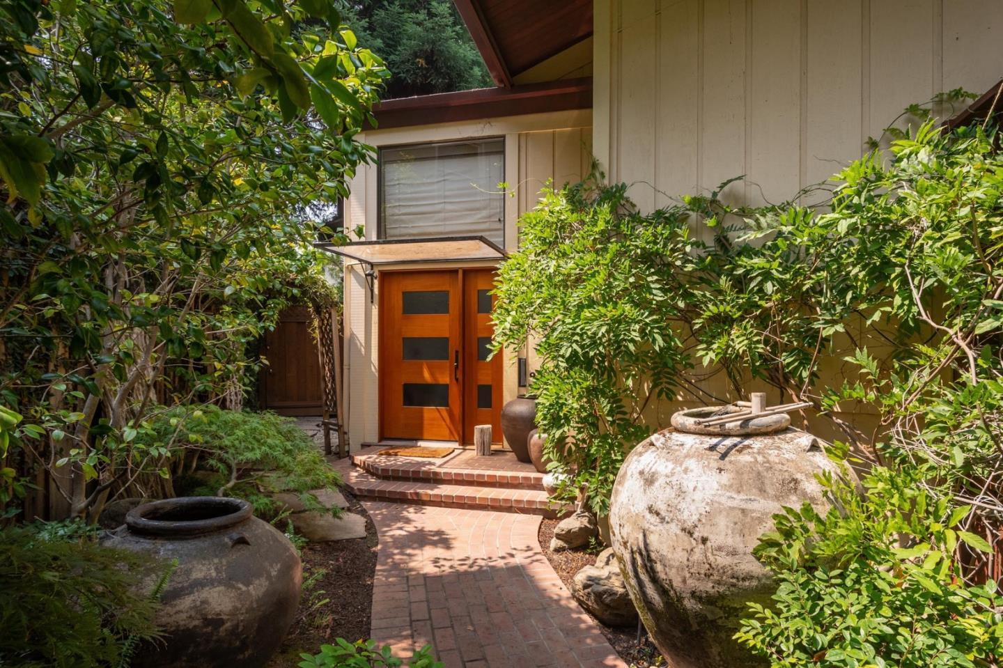 Detail Gallery Image 1 of 1 For 1007 Forest Ct, Palo Alto,  CA 94301 - 3 Beds   2 Baths
