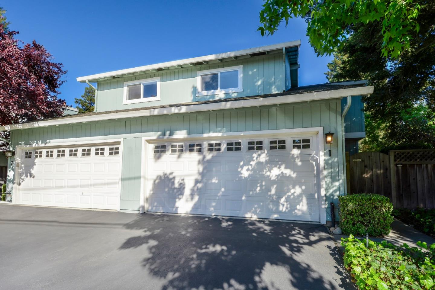 Detail Gallery Image 1 of 1 For 987 Lane Ave #1,  Mountain View,  CA 94040 - 3 Beds   2/1 Baths