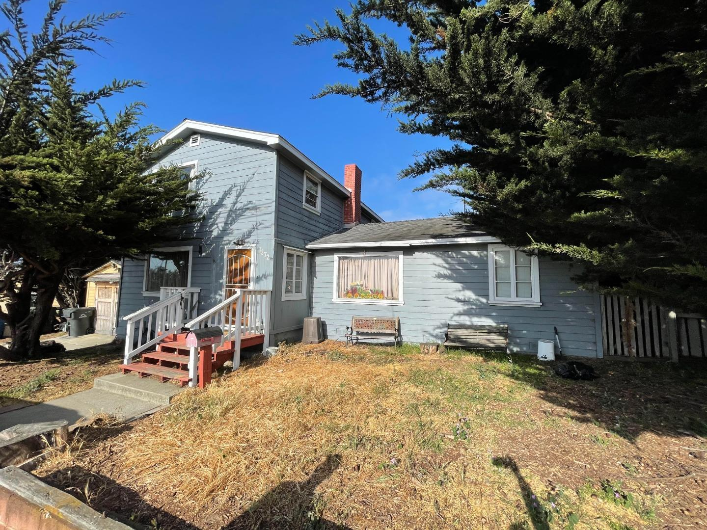 Detail Gallery Image 1 of 1 For 1372 Vallejo St, Seaside,  CA 93955 - 3 Beds | 2 Baths
