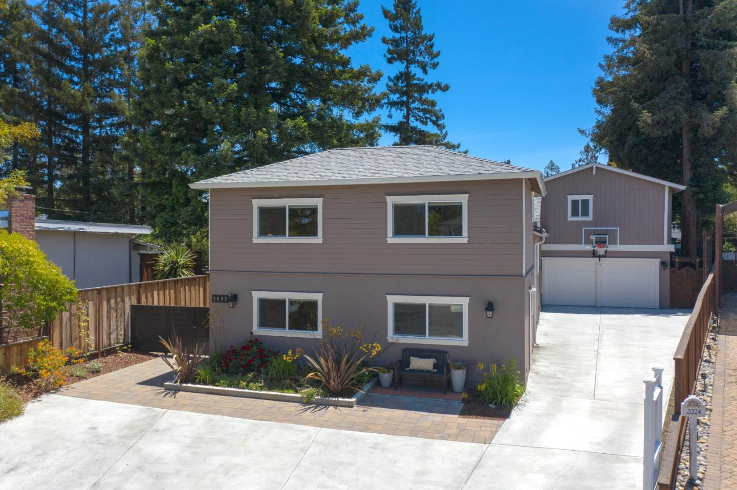 Detail Gallery Image 1 of 1 For 2032 Idaho Ct, Redwood City,  CA 94061 - 5 Beds   4 Baths