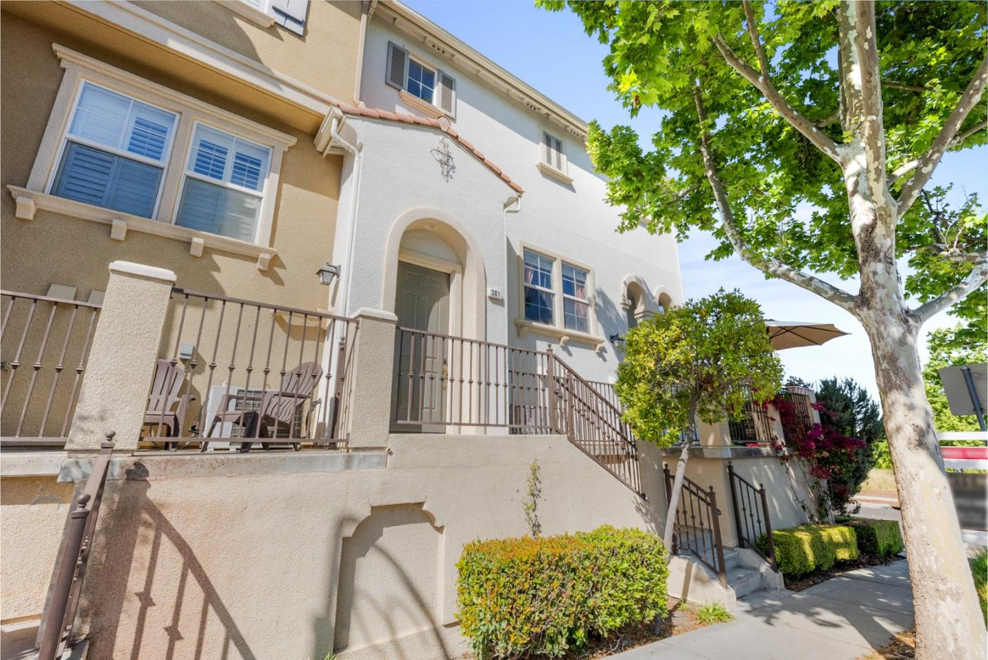 Detail Gallery Image 1 of 1 For 301 Casselino Dr, San Jose,  CA 95136 - 4 Beds   3/1 Baths
