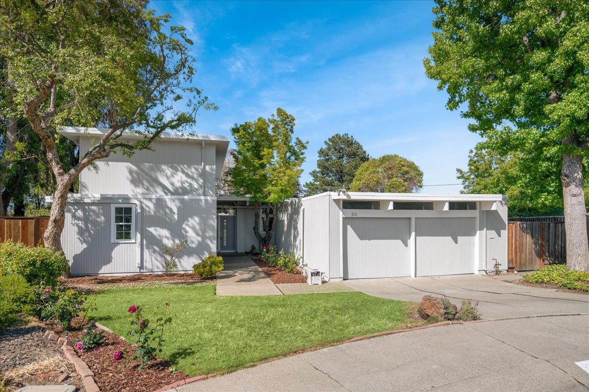 Detail Gallery Image 1 of 1 For 24 Los Banos Ct, Walnut Creek,  CA 94598 - 6 Beds | 2 Baths