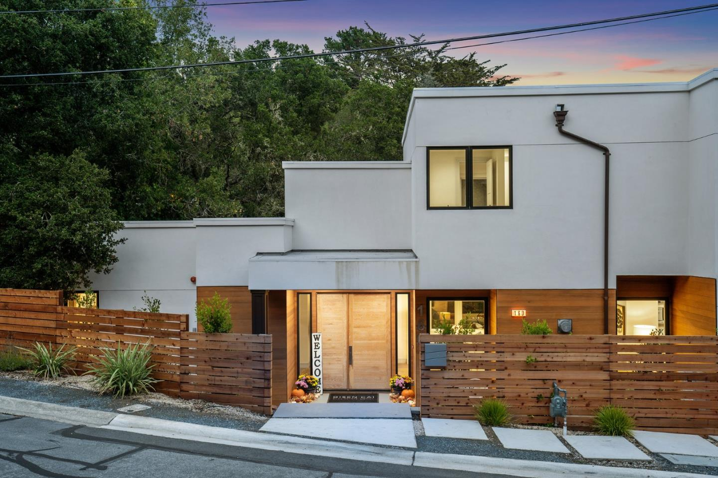 Detail Gallery Image 1 of 41 For 160 Tiptoe Ln, Burlingame,  CA 94010 - 6 Beds | 6/2 Baths