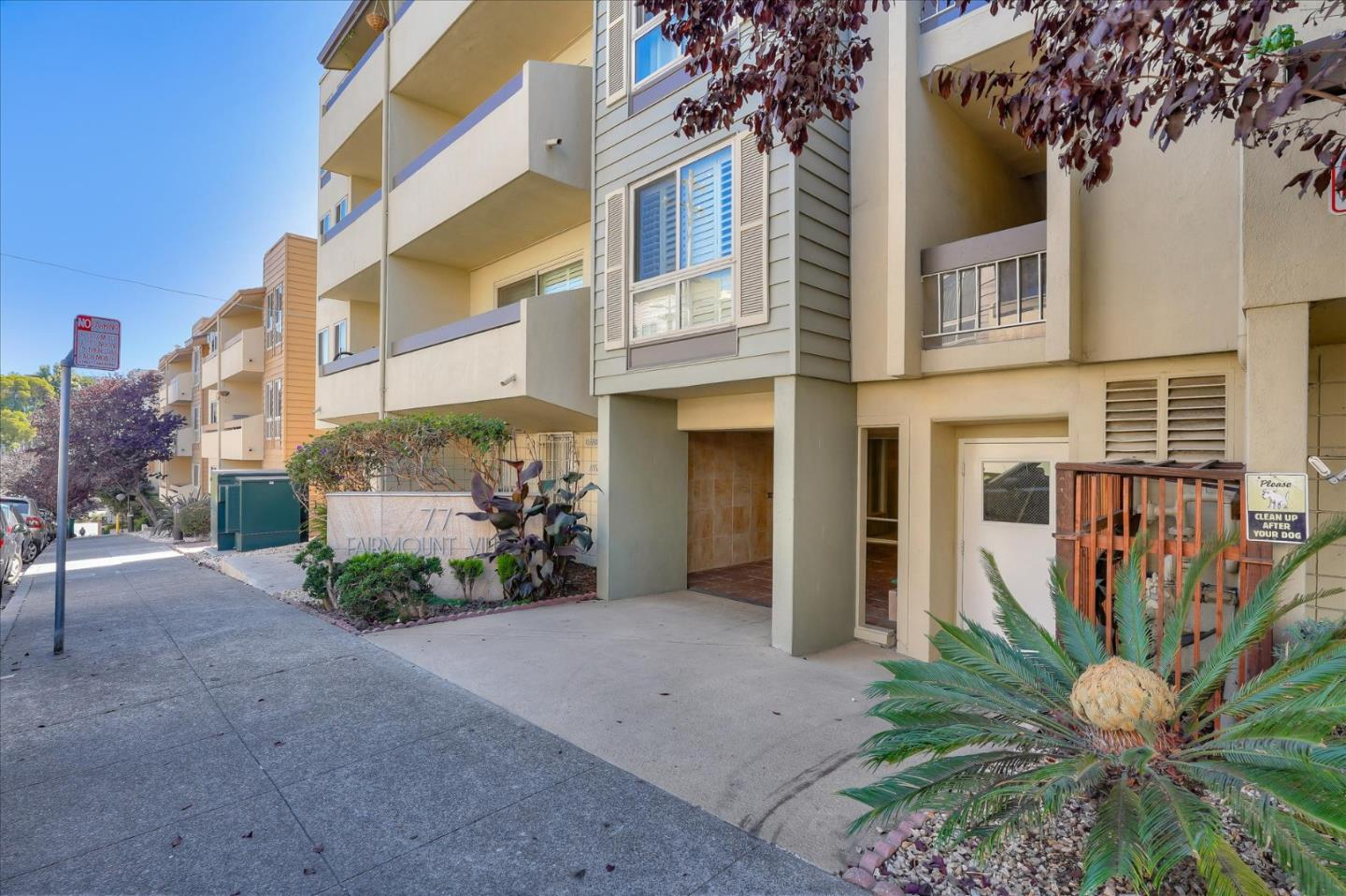 Bright, ample sized, end-unit 1 bedroom condo located nearby all of the amenities, shopping, freeways, SF ExpressBus and 19th St. BART station. The condo has an open floor plan with a private balcony facing the inner quad/swimming pool area.Biggest 1 bed floorplan in the complex. Kitchen has granite counter tops with stainless steel appliances and plenty of cabinets.Bedroom is airy and bright with mirrored closets and the bathroom has granite counter top and tiled shower/tub combo.