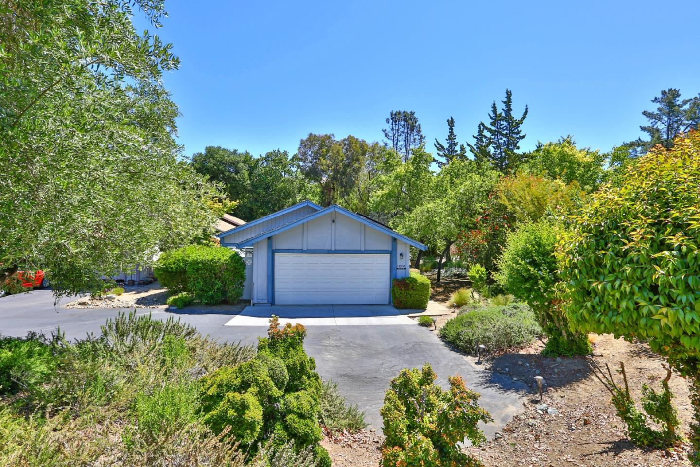 Detail Gallery Image 1 of 35 For 16952 Leslie Ct, Morgan Hill,  CA 95037 - 2 Beds | 2 Baths
