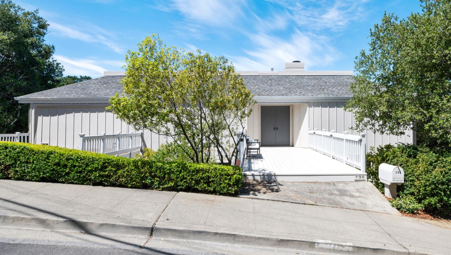 Detail Gallery Image 1 of 1 For 736 La Mesa Dr, Portola Valley,  CA 94028 - 3 Beds | 2/1 Baths