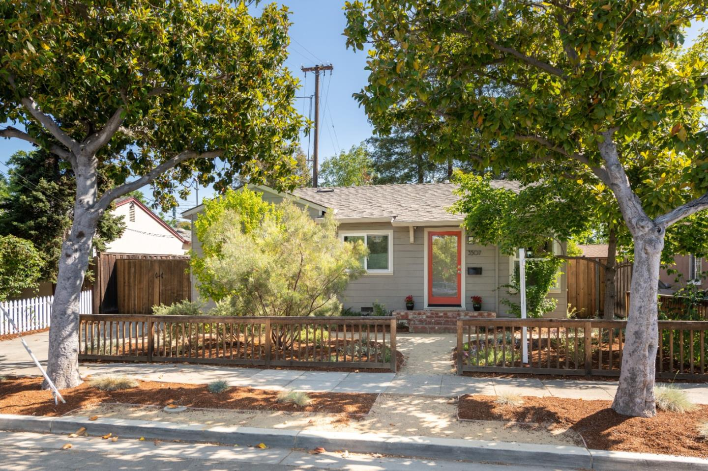 Detail Gallery Image 1 of 1 For 3507 Park Blvd, Palo Alto,  CA 94306 - 4 Beds   2/1 Baths