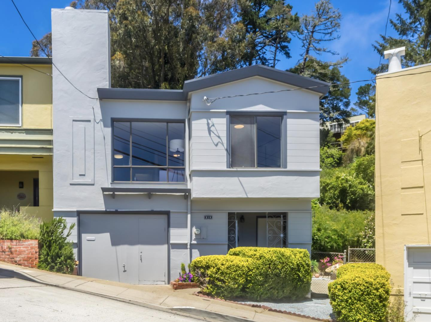 Detail Gallery Image 1 of 1 For 318 Los Palmos Dr, San Francisco,  CA 94127 - 3 Beds | 2 Baths