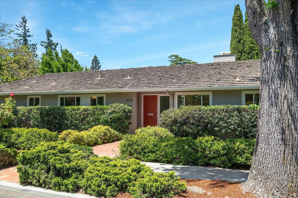 Detail Gallery Image 1 of 1 For 670 Newell Rd, Palo Alto,  CA 94303 - 3 Beds   2 Baths