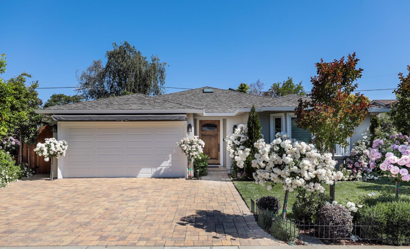 Detail Gallery Image 1 of 25 For 1552 Gilmore St, Mountain View,  CA 94040 - 4 Beds   3 Baths