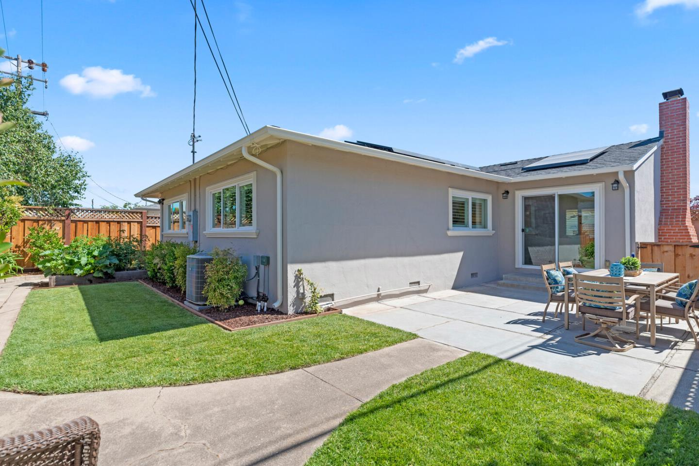 Detail Gallery Image 1 of 1 For 2208 Bermuda Dr, San Mateo,  CA 94403 - 3 Beds   2 Baths