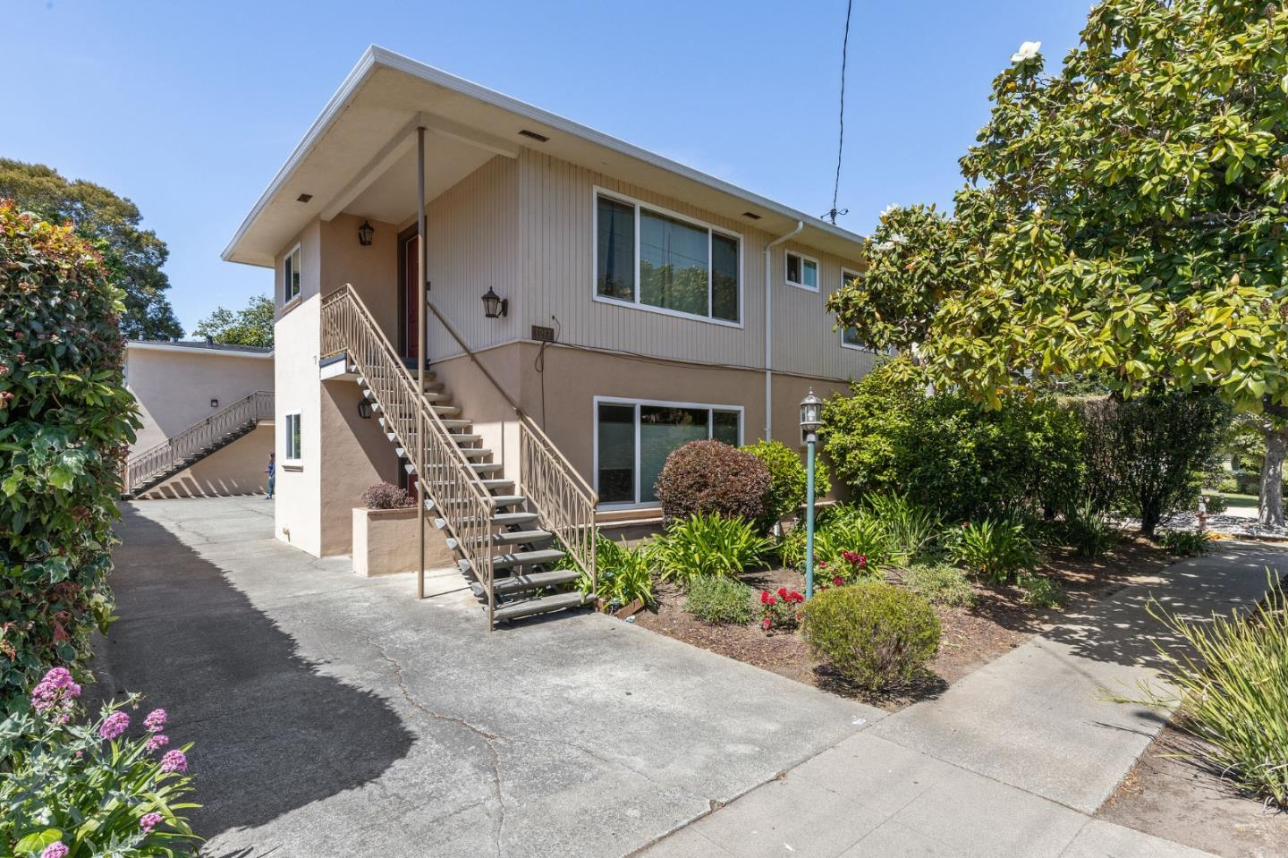 Detail Gallery Image 1 of 1 For 1217 Paloma Ave #2,  Burlingame,  CA 94010 - 2 Beds | 1 Baths