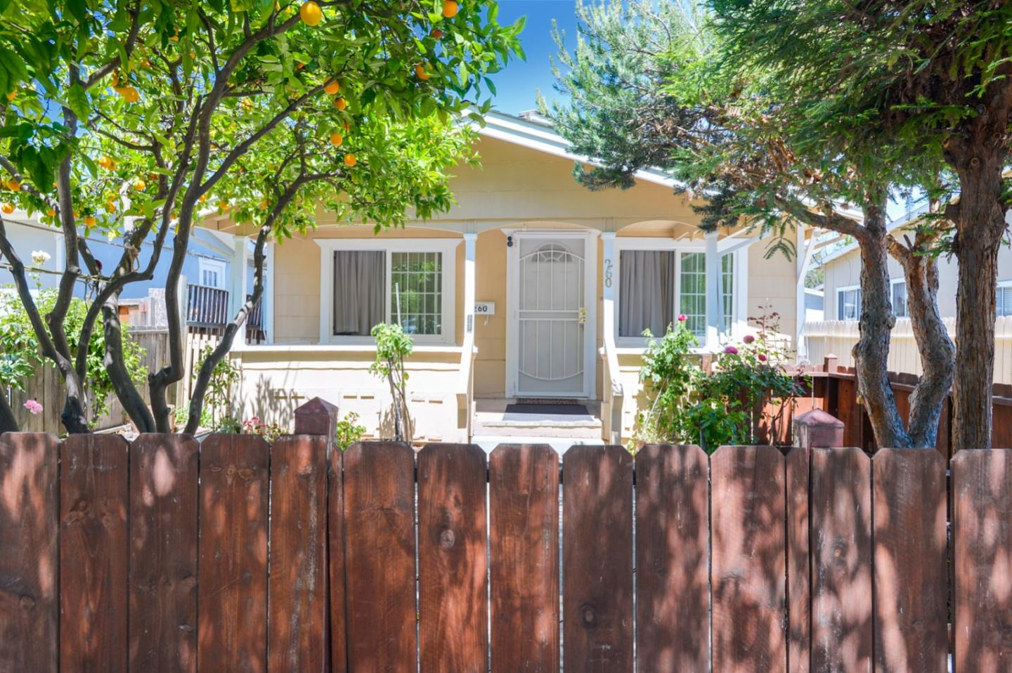 Detail Gallery Image 1 of 33 For 260 Vera Ave, Redwood City,  CA 94061 - 2 Beds   1 Baths