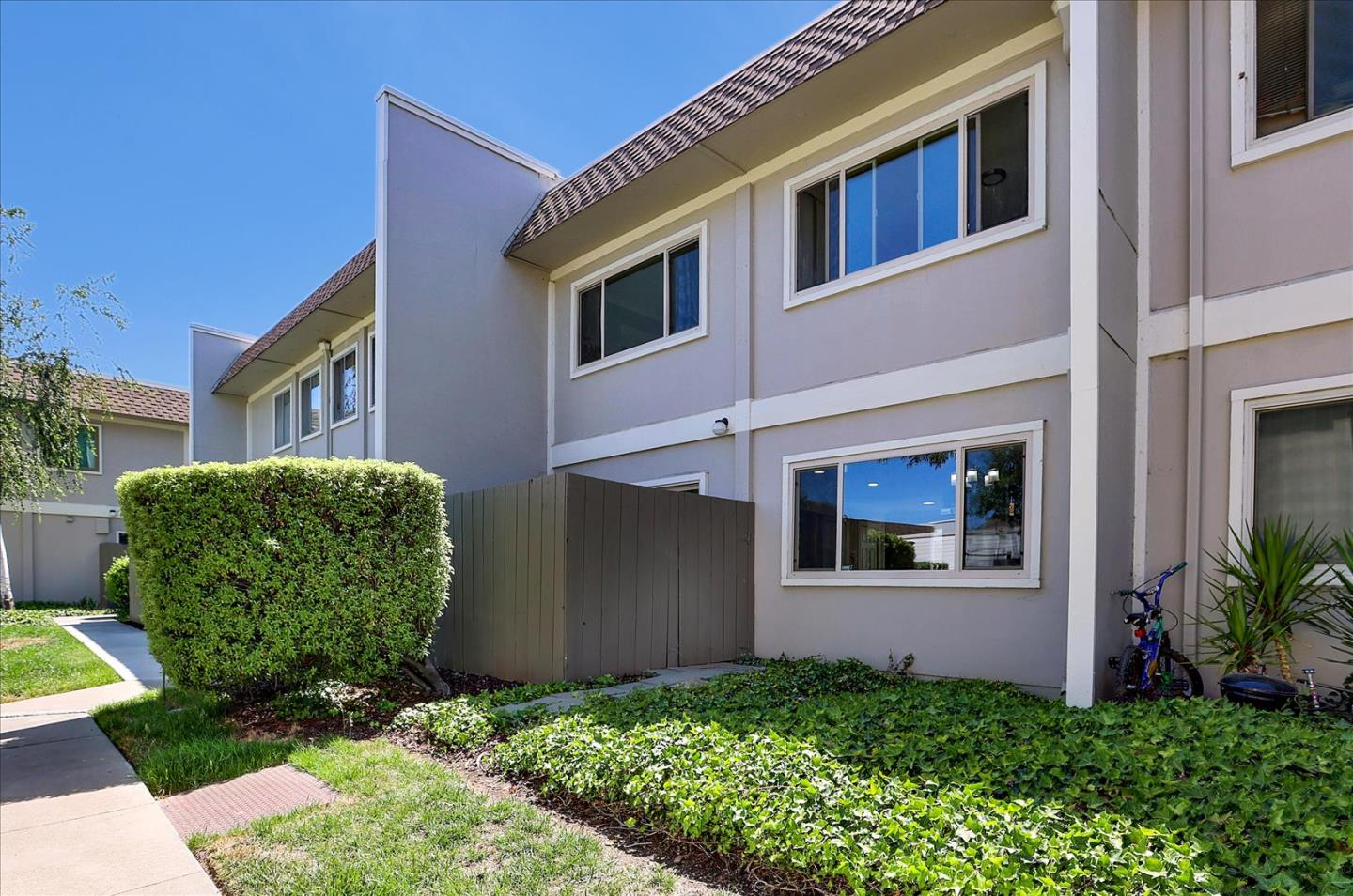 Detail Gallery Image 1 of 1 For 530 La Conner Dr #20,  Sunnyvale,  CA 94087 - 3 Beds   2/1 Baths