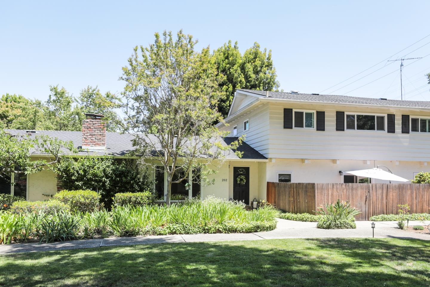 Detail Gallery Image 1 of 1 For 202 Ravenswood Ave, Menlo Park,  CA 94025 - 4 Beds   3 Baths