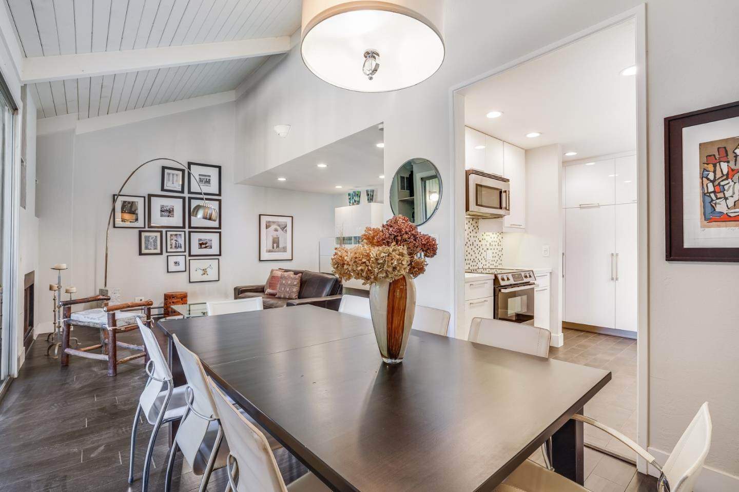 Detail Gallery Image 1 of 1 For 505 Cypress Point Dr #216,  Mountain View,  CA 94043 - 2 Beds   2 Baths
