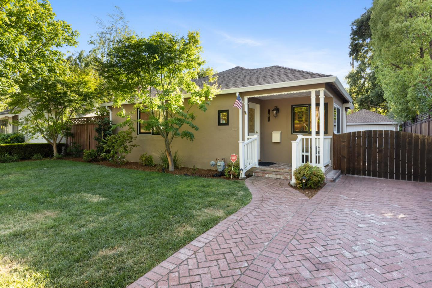 Detail Gallery Image 1 of 1 For 101 Primrose Way, Palo Alto,  CA 94303 - 3 Beds   2 Baths