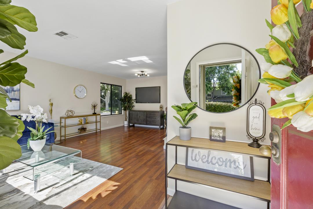 Detail Gallery Image 1 of 1 For 5026 Grey Feather Cir, San Jose,  CA 95136 - 3 Beds | 2/1 Baths