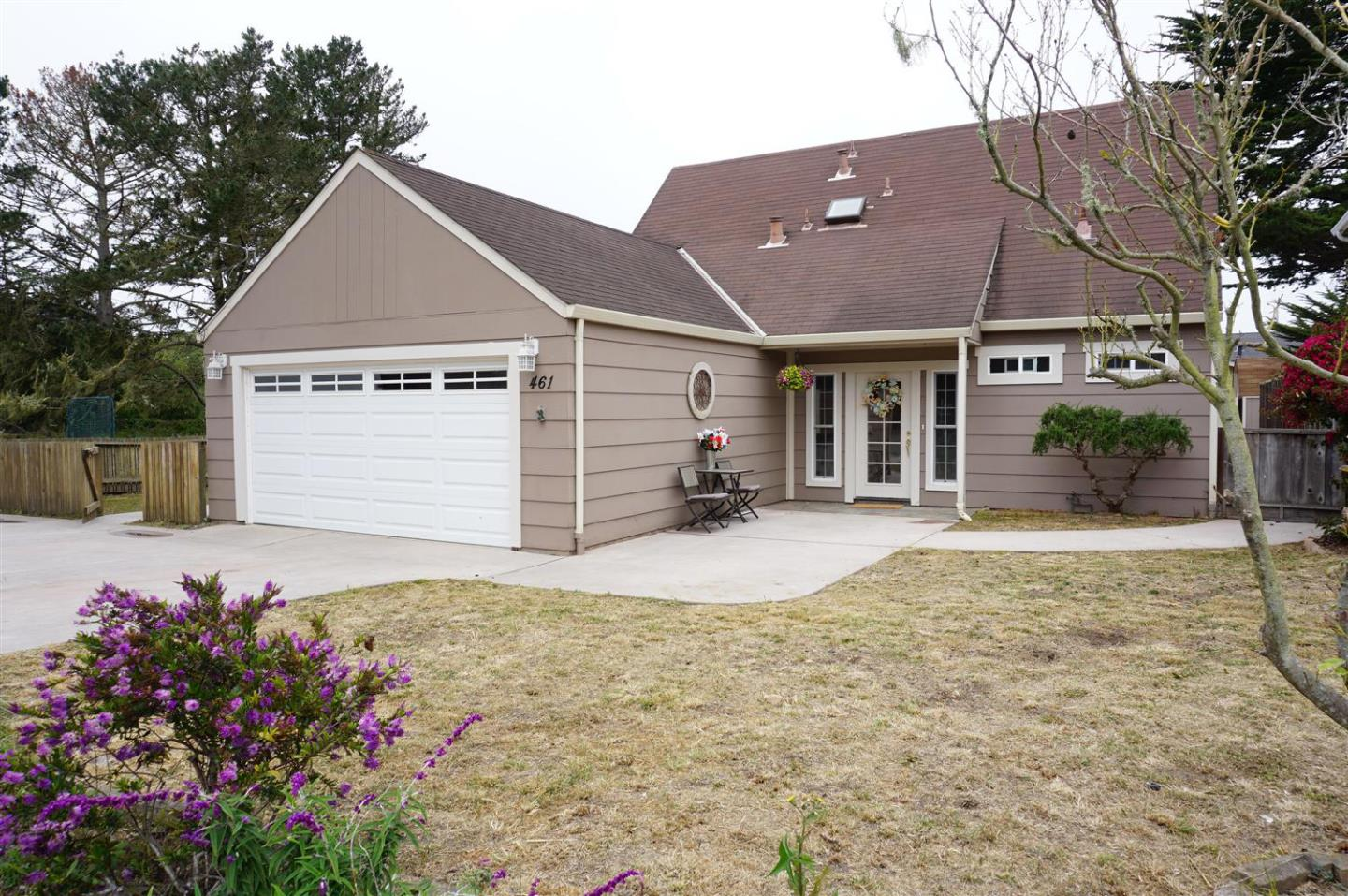 This 3BR, 2.5BA home is built on a double lot and is nestled in the west side of Moss Beach. With 2,120 SF of living space, this home is ideal for entertaining and has a huge bonus room that has access to the sprawling yard. It has tons of light and hardwood floors throughout as well as a large kitchen perfect for the family chef. Store your car and beach toys in the two-car garage and enjoy its close proximity to the beach.  Included in the sale is neighboring lot APN 037-181-290, which offers expansion opportunities.