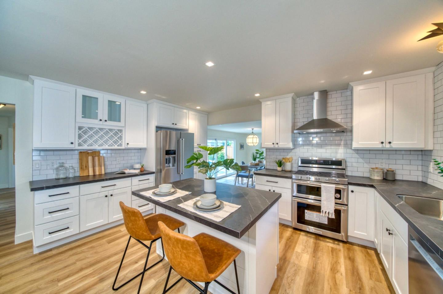 Detail Gallery Image 1 of 1 For 743 Yale Ln, Santa Clara,  CA 95051 - 3 Beds   2 Baths