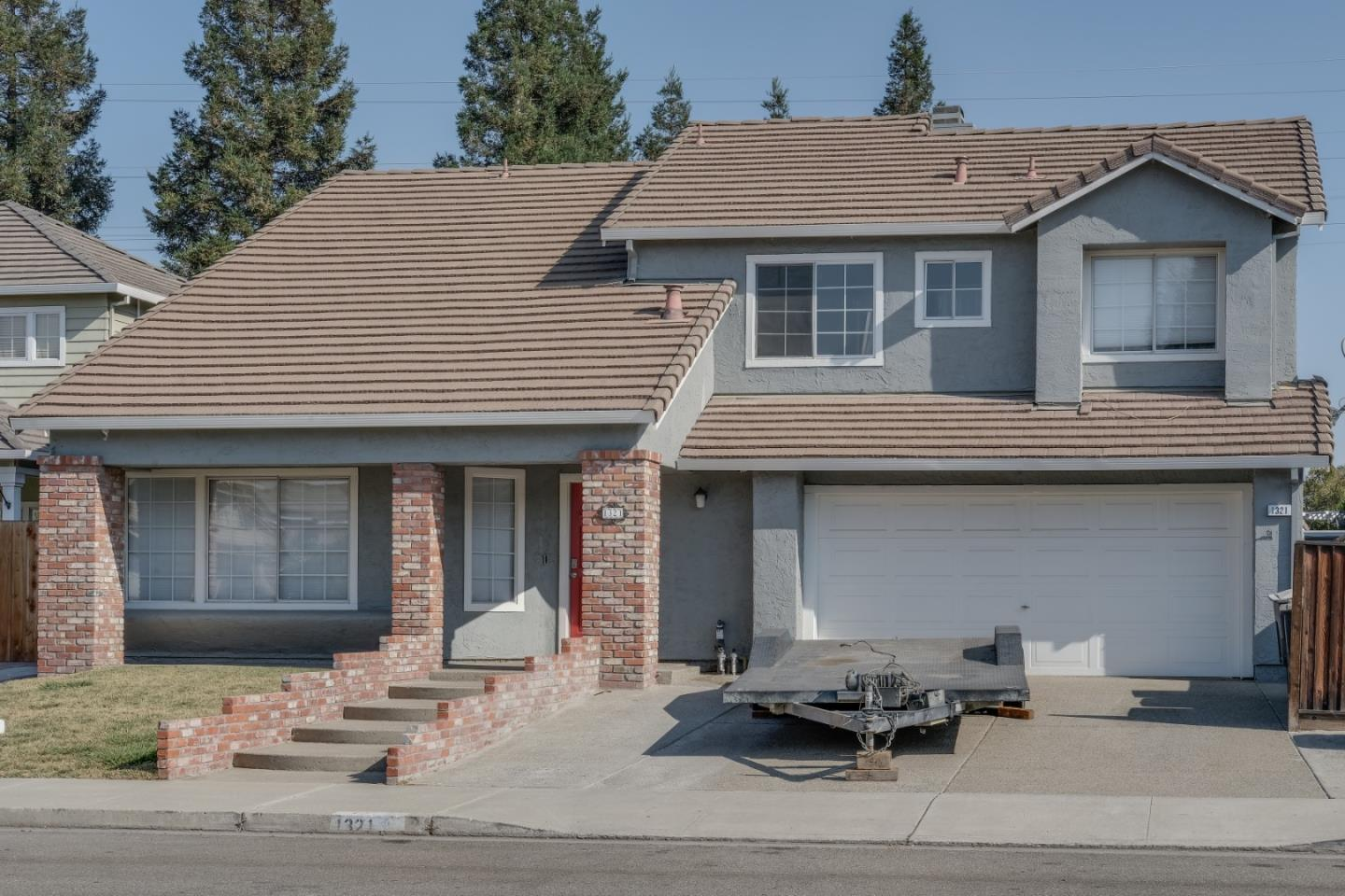 Detail Gallery Image 1 of 17 For 1321 Parkside Dr, Tracy,  CA 95376 - 4 Beds   2/1 Baths