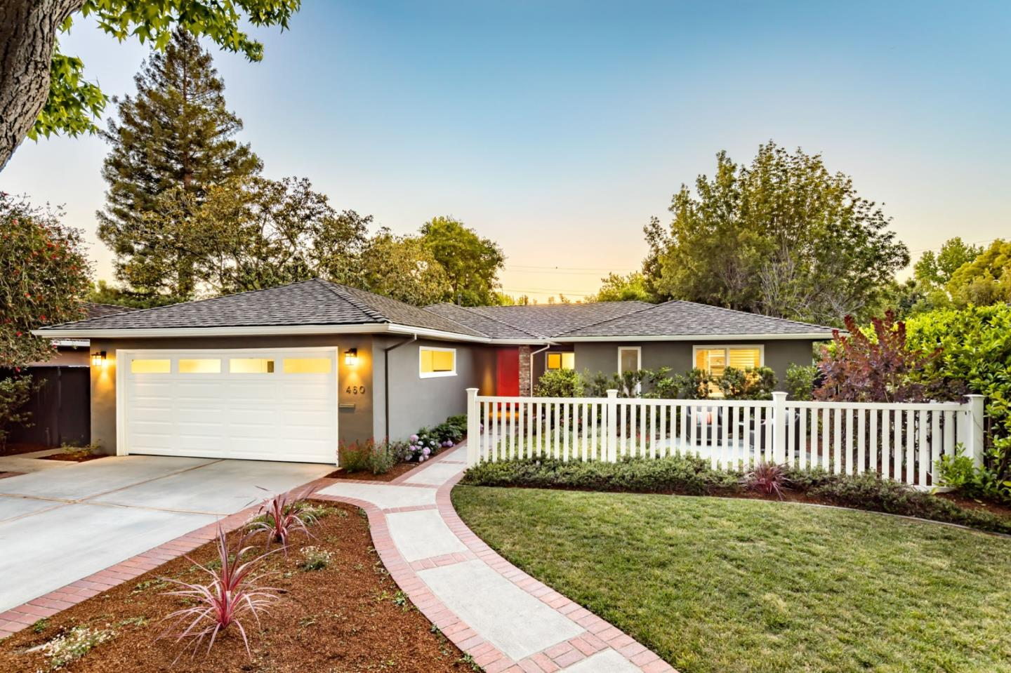 Detail Gallery Image 1 of 1 For 460 Sherwood Way, Menlo Park,  CA 94025 - 3 Beds | 2 Baths