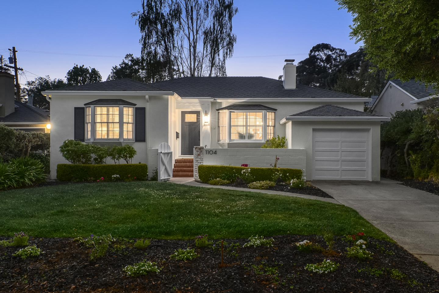 Detail Gallery Image 1 of 1 For 1104 Cambridge Rd, Burlingame,  CA 94010 - 3 Beds | 2 Baths