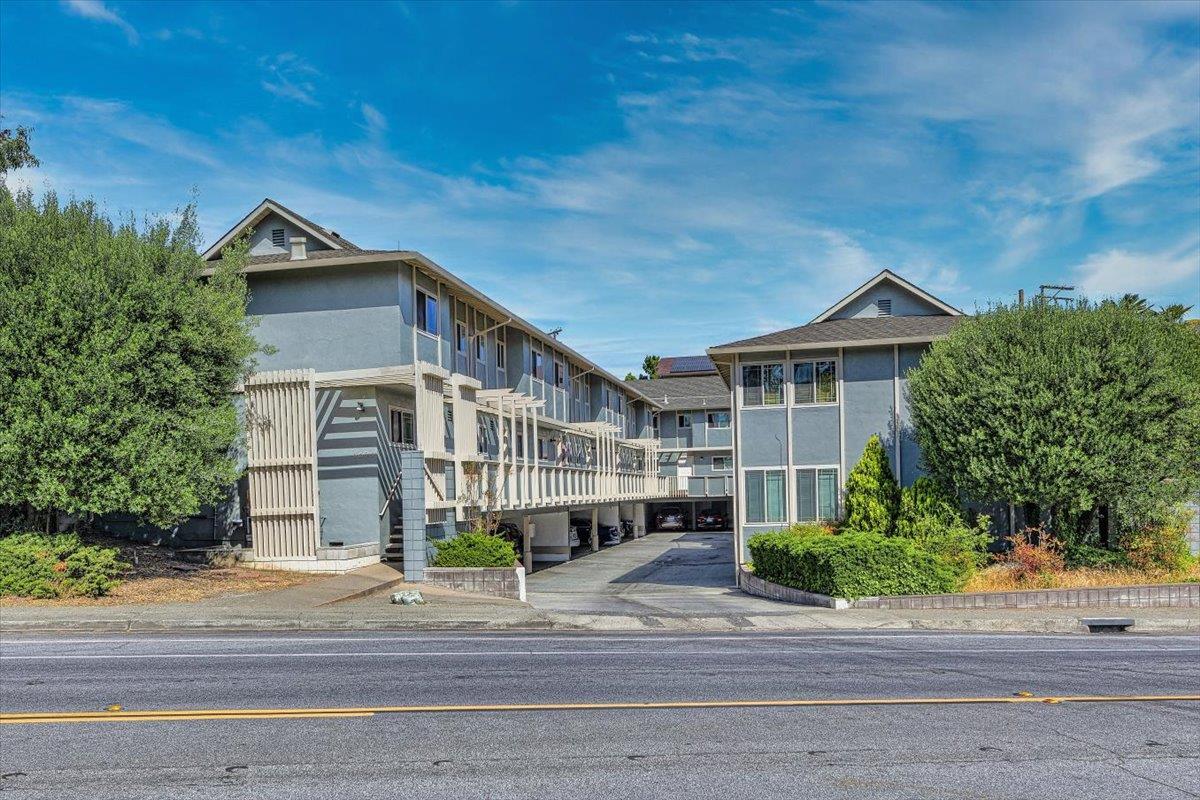 3524 Farm Hill BLVD Redwood City CA 94061