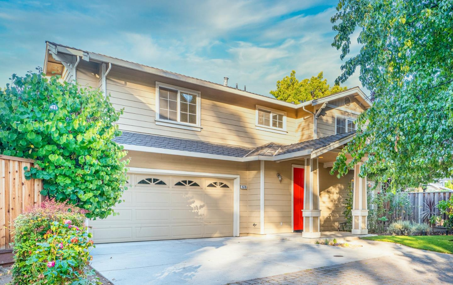 Detail Gallery Image 1 of 1 For 1570 Layla Ct, Mountain View,  CA 94041 - 4 Beds | 2/1 Baths