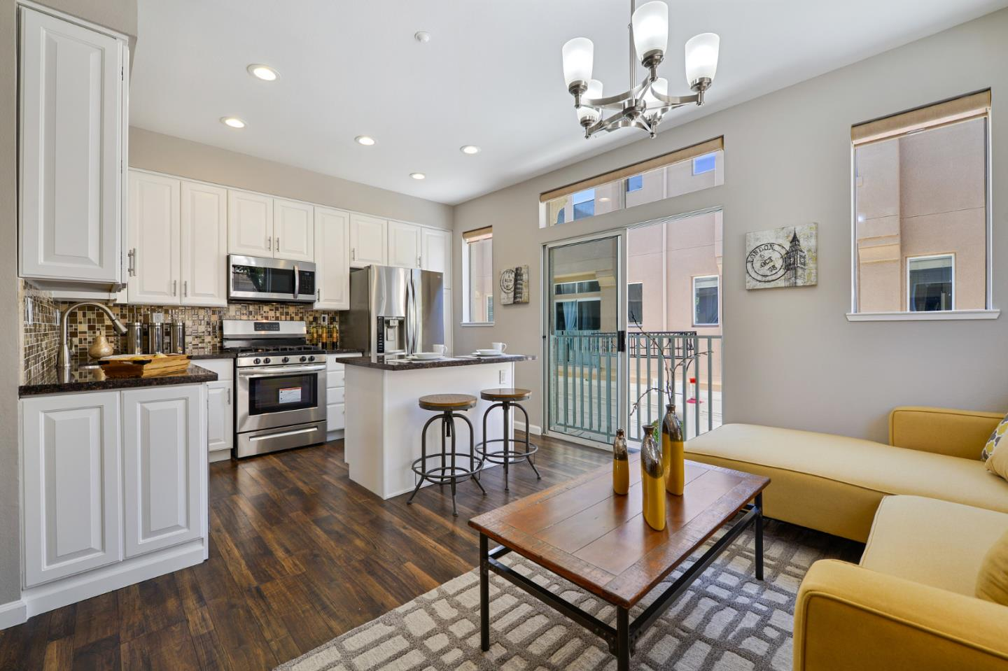 Detail Gallery Image 1 of 1 For 135 Frederick Ct, Mountain View,  CA 94043 - 3 Beds   2/1 Baths
