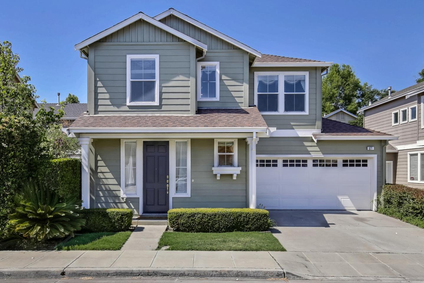 Detail Gallery Image 1 of 46 For 921 Baines St, East Palo Alto,  CA 94303 - 4 Beds | 2/1 Baths