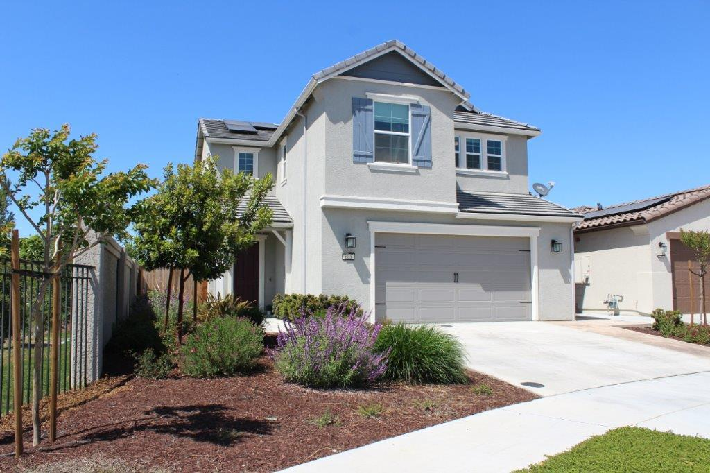 Detail Gallery Image 1 of 23 For 600 Valencia Way, Hollister,  CA 95023 - 4 Beds   2/1 Baths