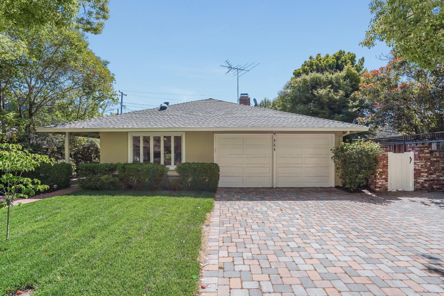Detail Gallery Image 1 of 70 For 144 Walter Hays Dr, Palo Alto,  CA 94303 - 4 Beds | 2 Baths
