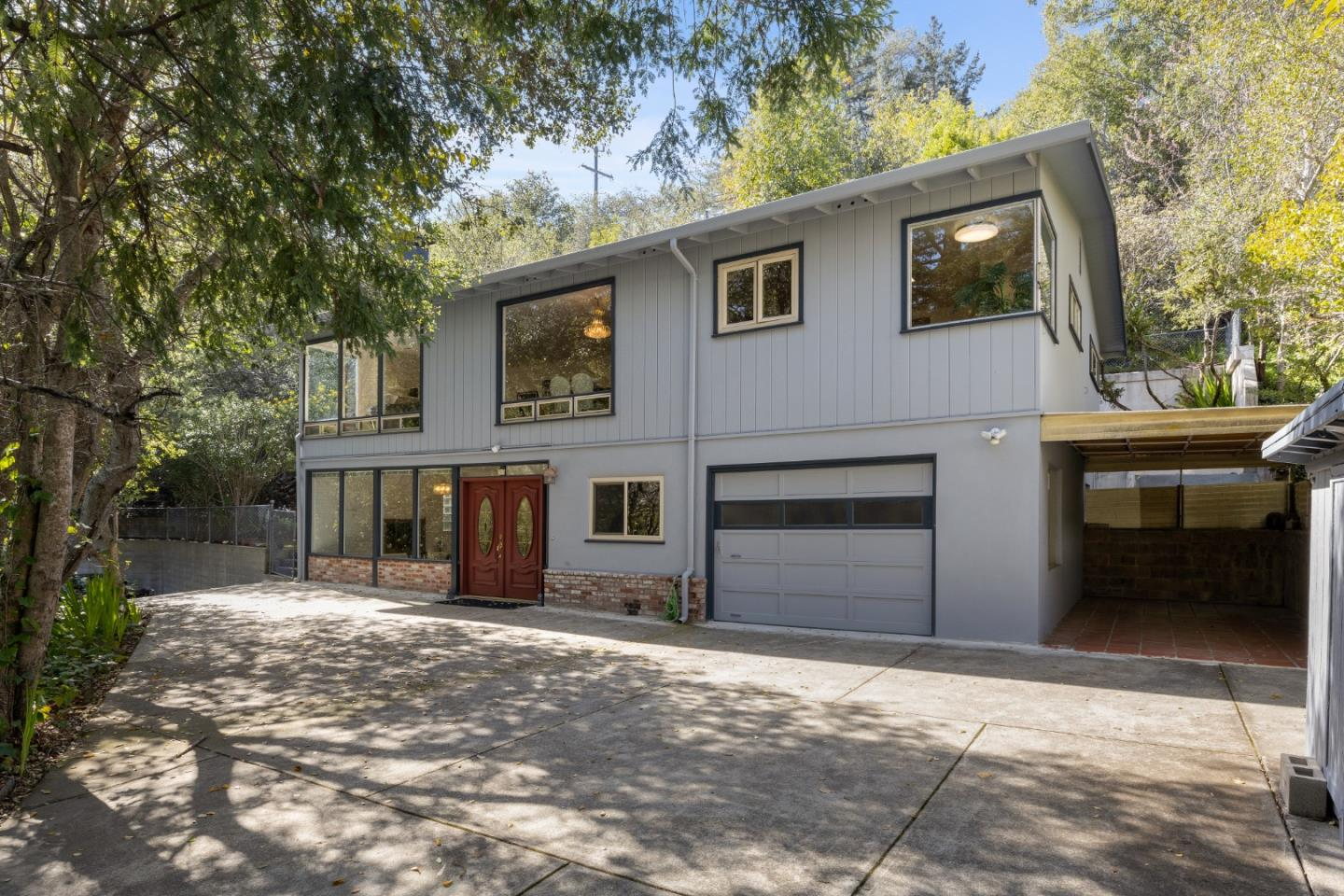 Detail Gallery Image 1 of 8 For 2944 Canyon Rd, Burlingame,  CA 94010 - 3 Beds | 2 Baths