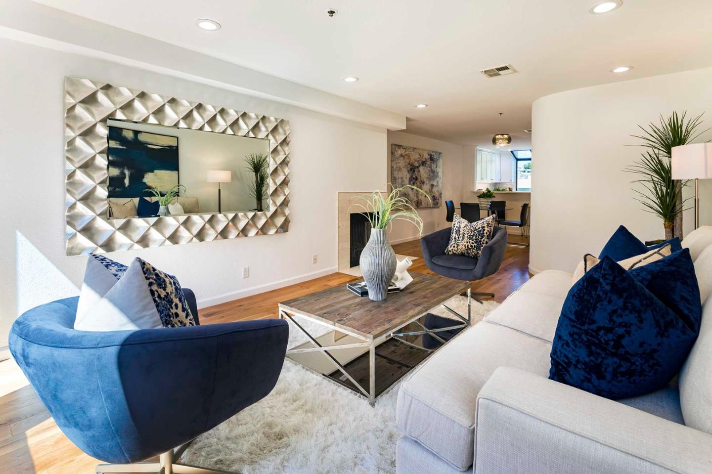 Detail Gallery Image 1 of 20 For 155 S California Ave #G204,  Palo Alto,  CA 94306 - 2 Beds | 1/1 Baths