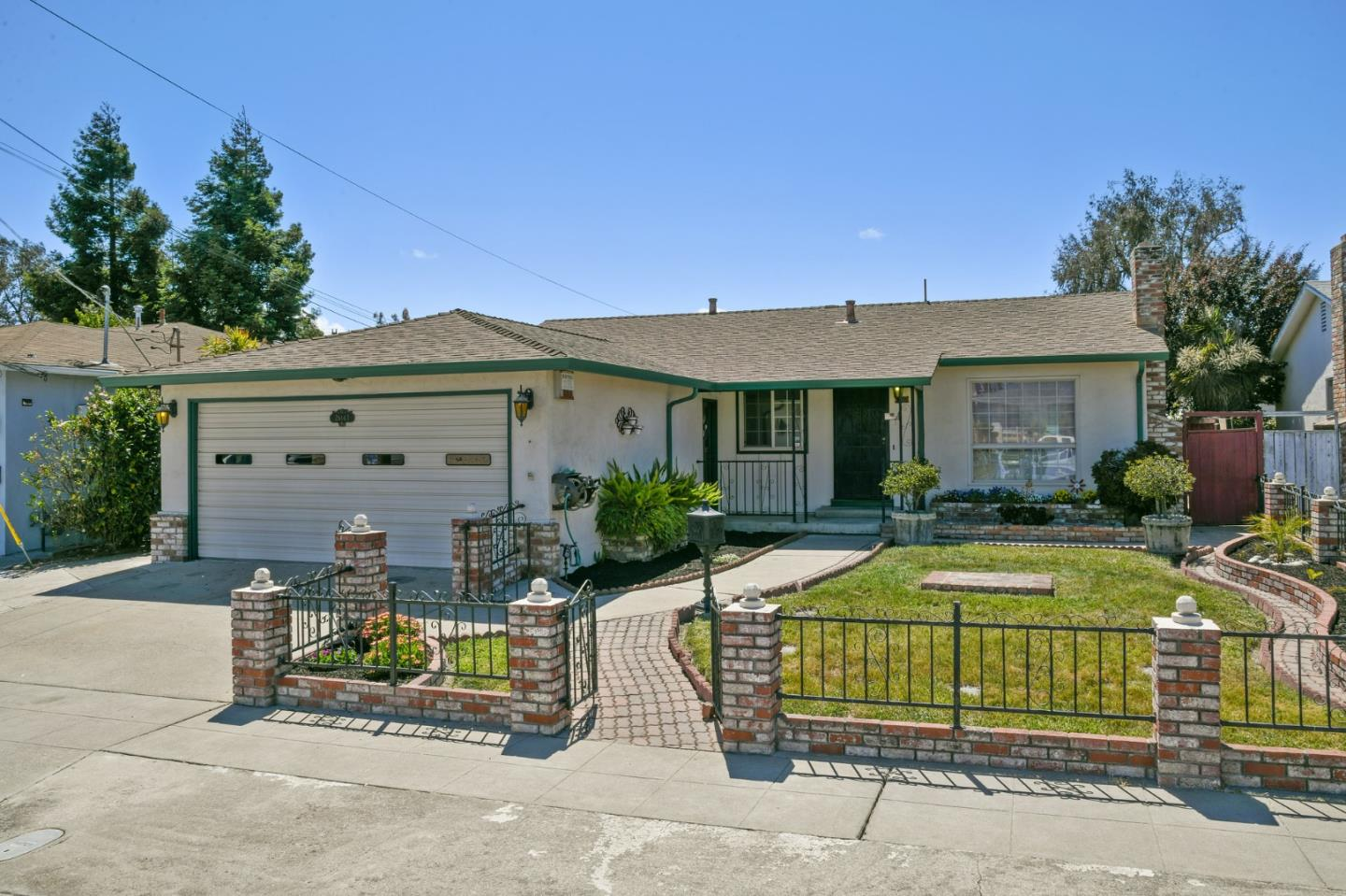 Detail Gallery Image 1 of 1 For 26143 Gettysburg Ave, Hayward,  CA 94545 - 3 Beds | 2 Baths