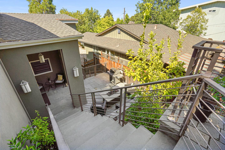 3718 Laurel WAY Redwood City CA 94062