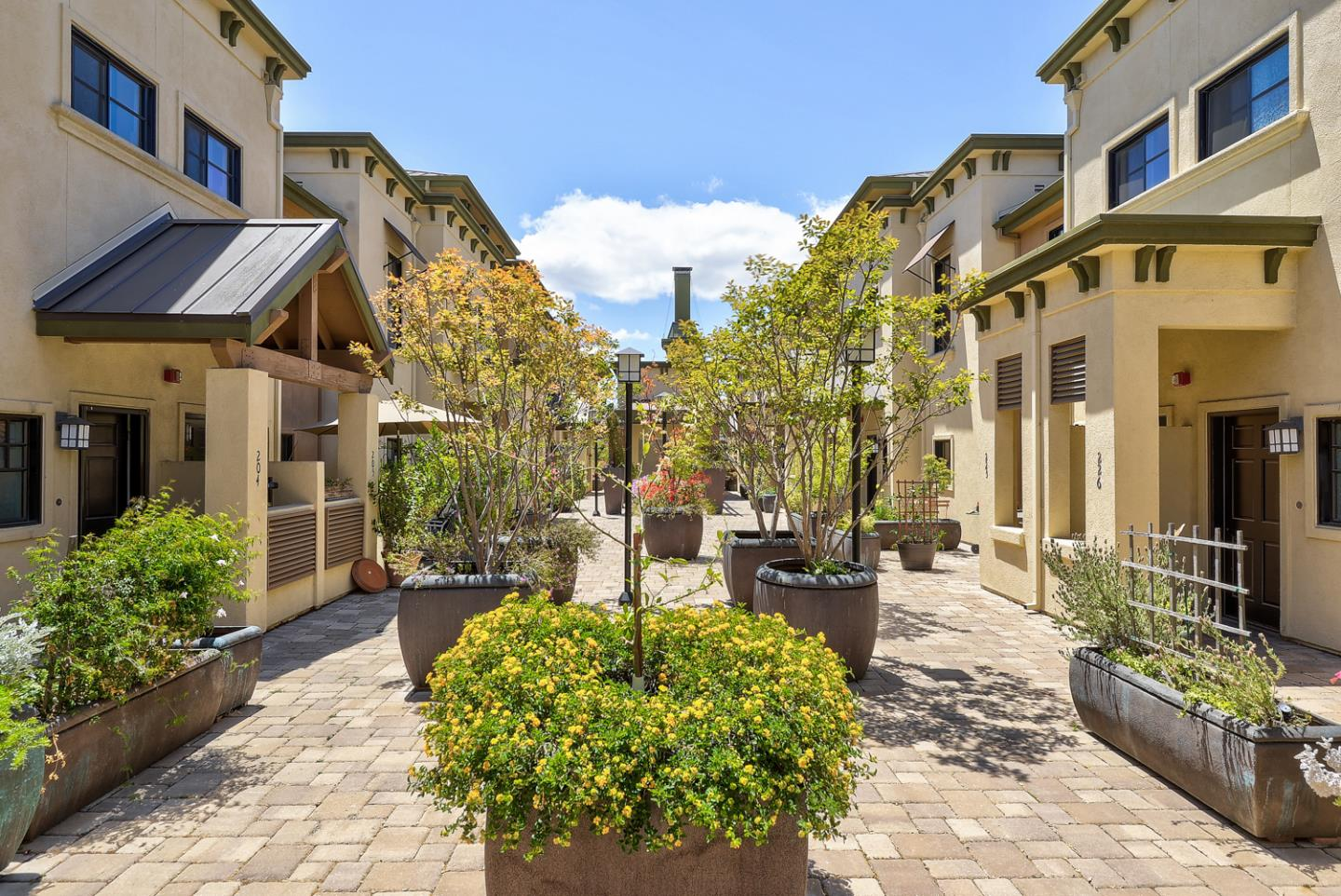 Detail Gallery Image 1 of 1 For 1765 E Bayshore Rd #227,  East Palo Alto,  CA 94303 - 1 Beds | 1/1 Baths