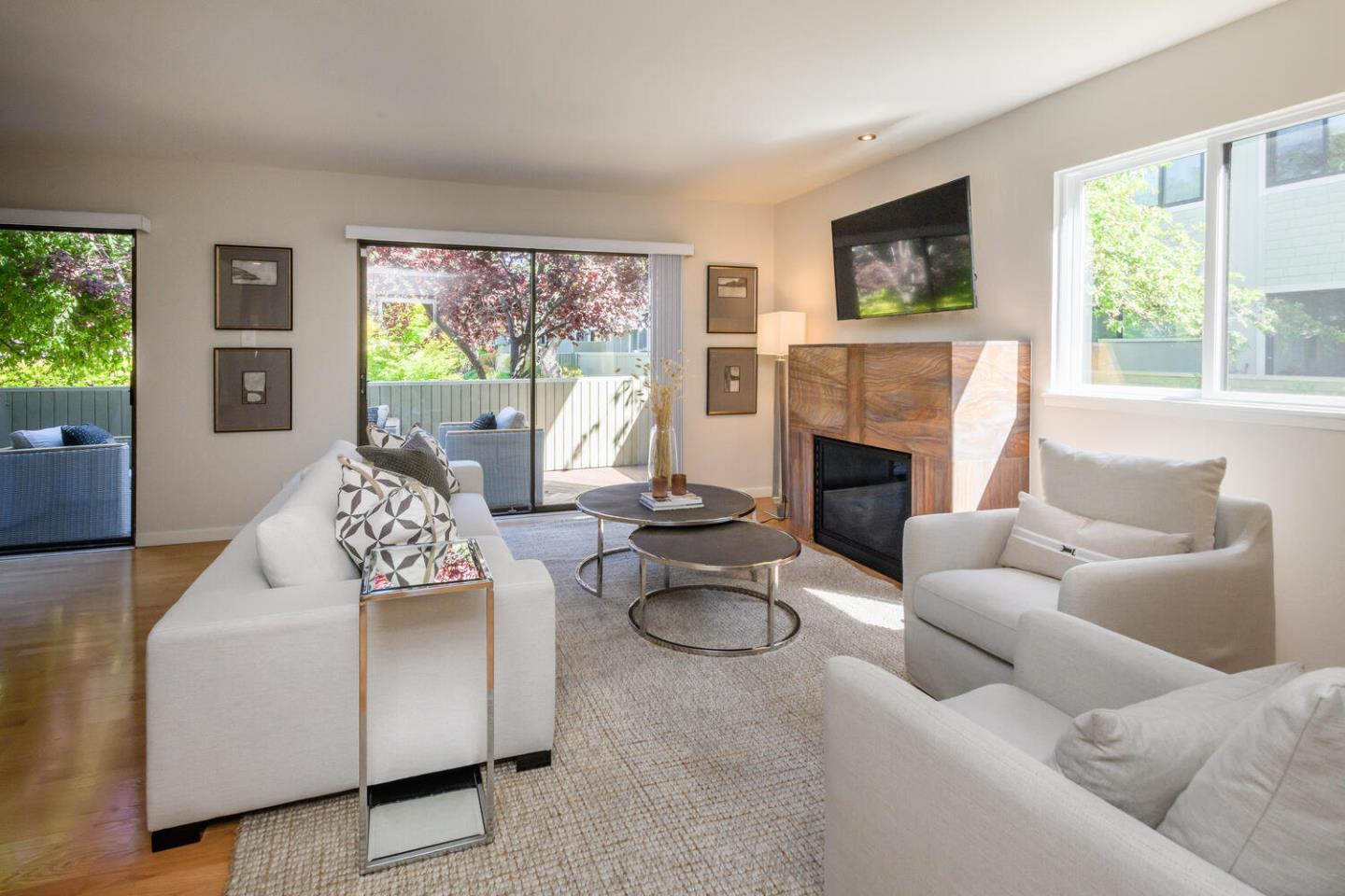Detail Gallery Image 1 of 25 For 2319 Sharon Rd, Menlo Park,  CA 94025 - 4 Beds | 2/1 Baths