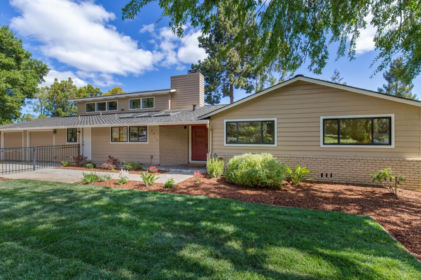 Detail Gallery Image 1 of 1 For 2019 Kent Dr, Los Altos,  CA 94024 - 4 Beds   3 Baths