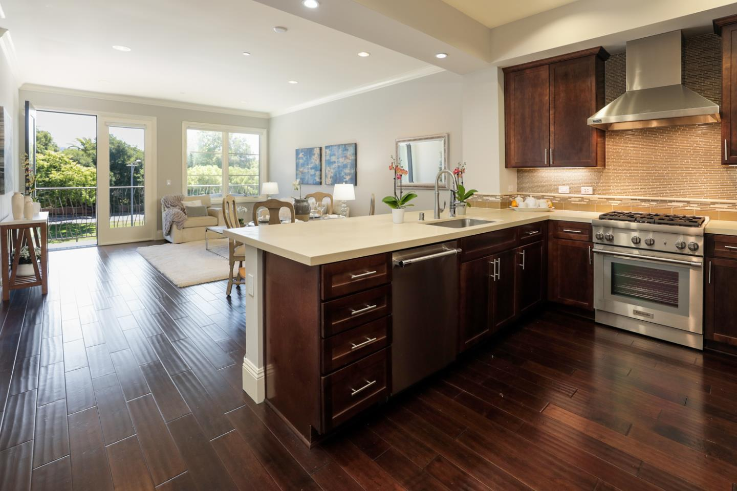 Detail Gallery Image 1 of 26 For 100 1st St #307,  Los Altos,  CA 94022 - 1 Beds   1/1 Baths
