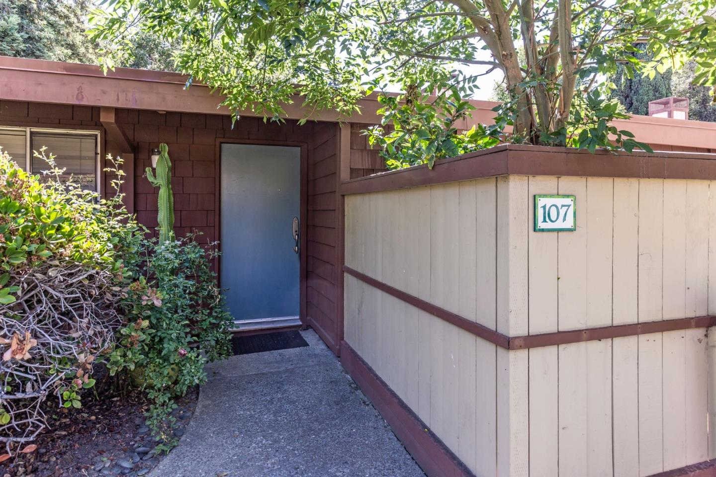 Detail Gallery Image 1 of 1 For 500 W Middlefield Rd #107,  Mountain View,  CA 94043 - 1 Beds | 1 Baths