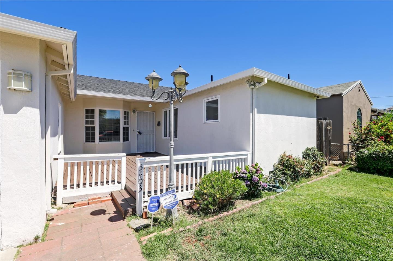 Detail Gallery Image 1 of 1 For 3403 Madeline Dr, San Jose,  CA 95127 - 3 Beds | 3 Baths