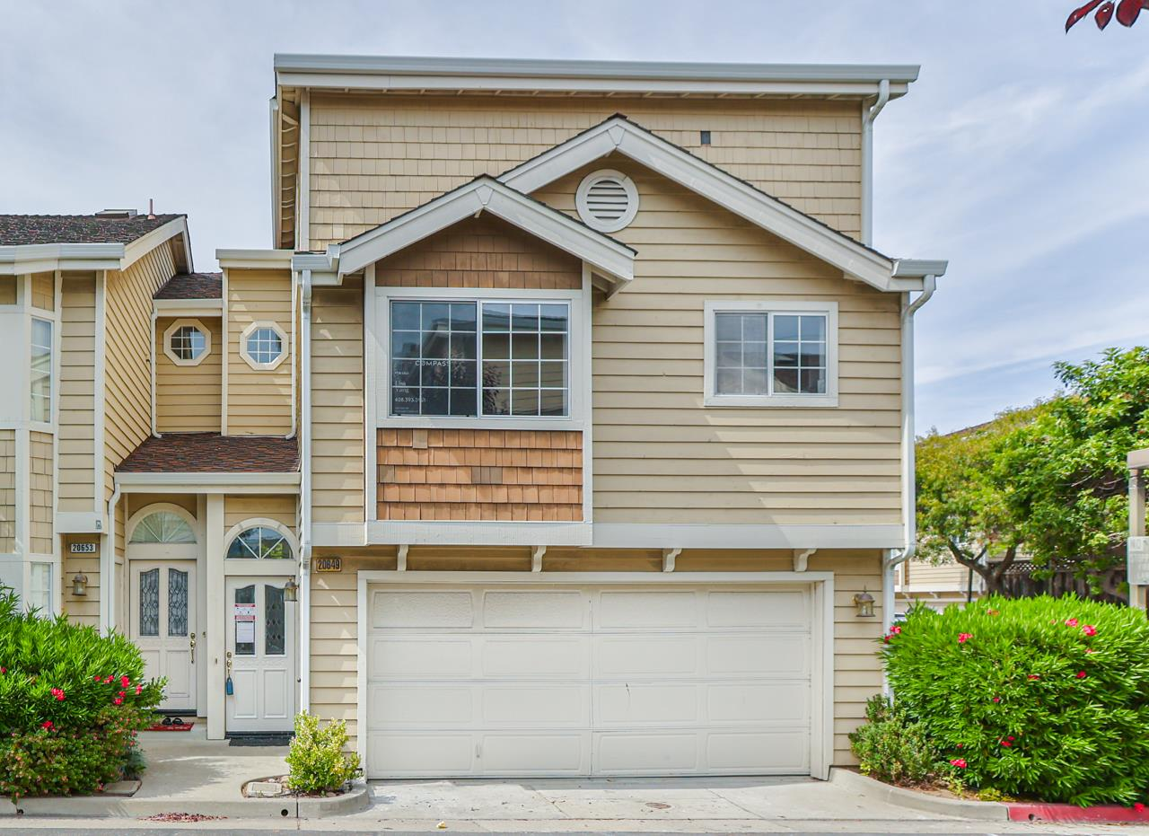 Detail Gallery Image 1 of 1 For 20649 Gardenside Cir, Cupertino,  CA 95014 - 3 Beds   2/1 Baths