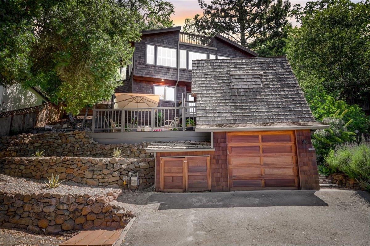 Detail Gallery Image 1 of 1 For 116 Foxwood Rd, Portola Valley,  CA 94028 - 3 Beds | 2 Baths
